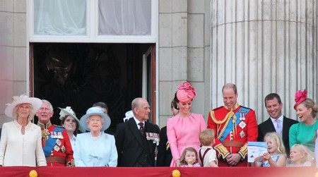 Queen Elizabeth & Royal Family, Buckingham Palace, London June 2017- Trooping the Colour Prince George William, harry, Kate & Charlotte Balcony for Queen Elizabeths Birthday June 17 2017 London, UK