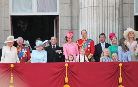 Queen Elizabeth & Royal Family, Buckingham Palace, London June 2017- Trooping the Colour Prince George William, harry, Kate & Charlotte Balcony for Queen Elizabeth's Birthday June 17 2017 London, UK