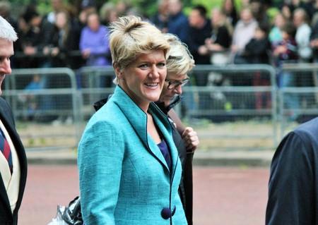 Londres, Royaume-Uni - 13 juin: Claire Balding, présentatrice de la BBC apparaît lors de la parade de la cérémonie des couleurs, le 13 juin 2015 à Londres, Angleterre, Royaume-Uni