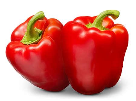 Groupe de poivron rouge isolé sur fond blanc.