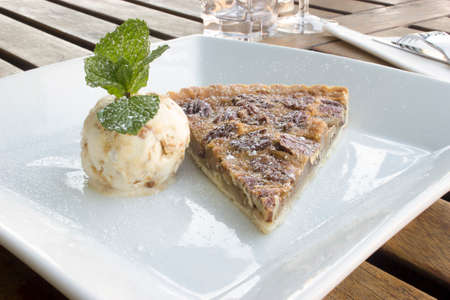 pecan pie: Pecan pie with vanilla ice cream