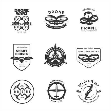 Set Drohne Flying Club Etiketten, Abzeichen und Design-Elemente.