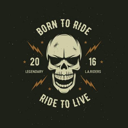 pandilleros: Motocicleta de la vendimia gráficos de la camiseta. Nacido para montar. Conducir para vivir. Camiseta del motorista. emblema de la motocicleta. Monocromo cráneo. Ilustración del vector.