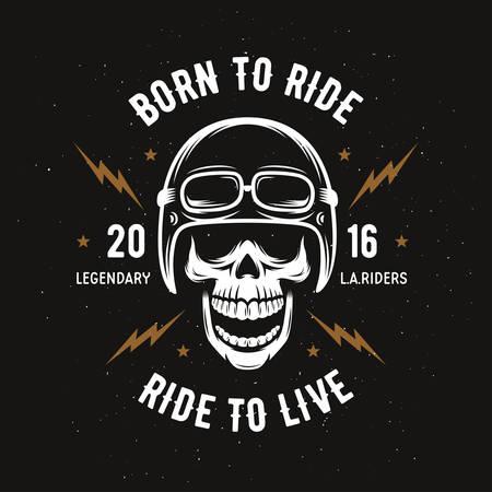 Vintage motorfiets t-shirt graphics. Geboren om te rijden. Rijd om te leven. Biker t-shirt. Motorcycle embleem. Zwart-wit schedel. Vector illustratie. Stock Illustratie
