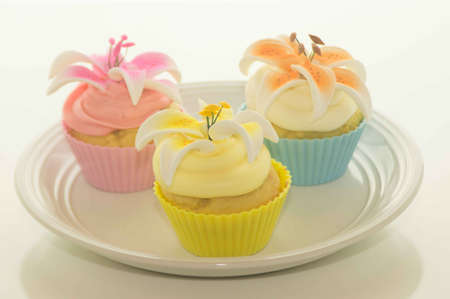 Easter Cupcakes With Flowers On A Plate Stock Photo - 17744001