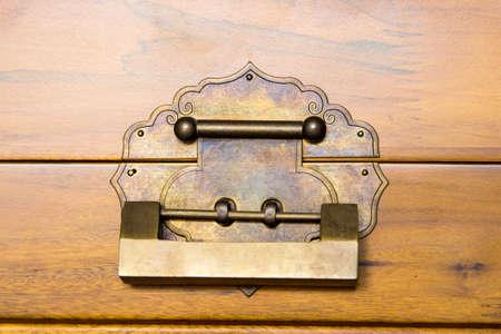 cobre: cerradura de cobre Foto de archivo