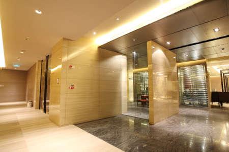 perspectiva lineal: Foto de Hotel Club, corredor comedor interior