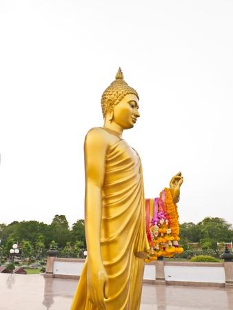 nakhon pathom: Gold Buddha at Phutthamonthon district, Nakhon Pathom Province of Thailand