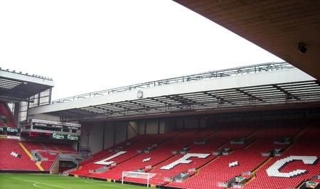 premierleague: Anfield � uno stadio iniziale del Liverpool Football Club in Premier League Inghilterra a Liverpool, in Inghilterra