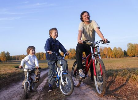 30 to 35: family bicycle Stock Photo
