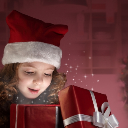 smile christmas decorations: litle girl open red gift box