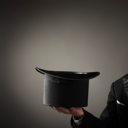 sombrero de mago: mago mostrar tarjeta