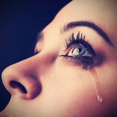 lacrime: bellezza ragazza grido