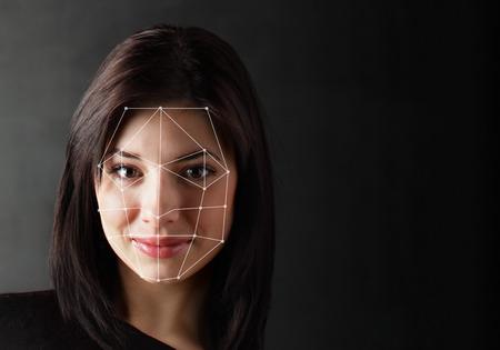 Biometrische Verifikation - Frau Gesichtserkennung, High-Tech Standard-Bild - 75102576