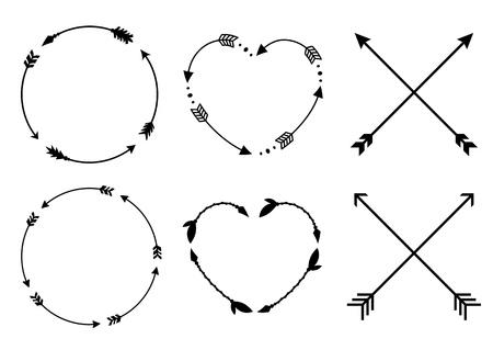 Cadres de flèche de cercle et de coeur pour les monogrammes. Flèches entrecroisées hipster. Flèches dans un style boho. Jeu de flèches tribales. Collection de vecteur.