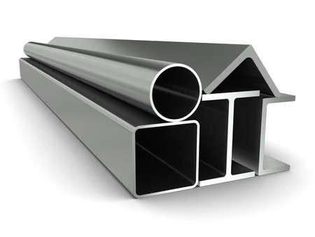 Tubo de metal, vigas, ángulos, canales y tubos cuadrados sobre un fondo blanco