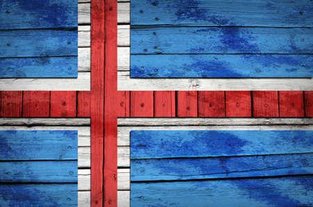icelandic flag: Island�s bandera pintada sobre tablas de madera del estilo del Grunge Foto de archivo