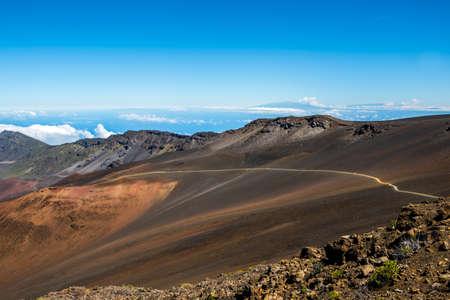 Epic mountain landscape scenery from the walking trail of Haleakala National Park 免版税图像