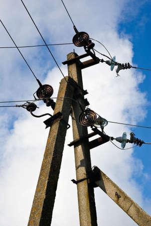 El apoyo concreto de la red el�ctrica  Foto de archivo