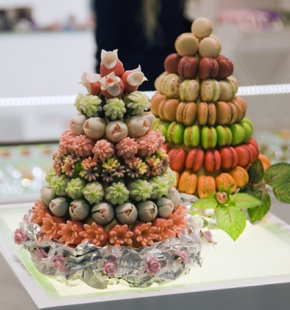 layer cake: two fruit cake with nine tiers on the table