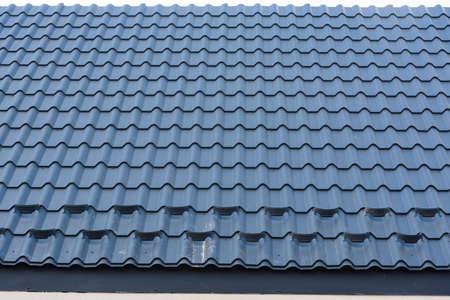 New metal roof construction. Building construction and renovation. Banco de Imagens