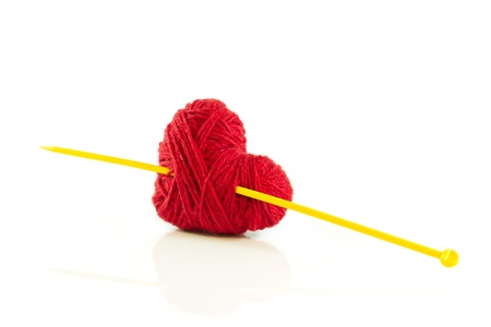 Cuore di lavoro a maglia con l'ago Archivio Fotografico - 17627550