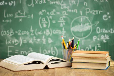 学校教育概念の机の上の本 写真素材