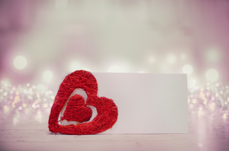 Heart and empty paper invitation on the table for Valentine's Day - Holiday, Valentine Card Foto de archivo