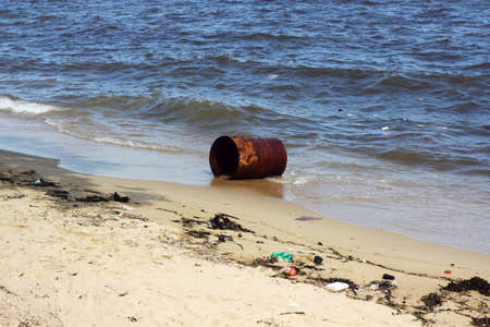 shore: waste at shore