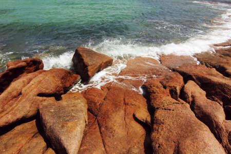 tasmania: rock and ocean view at Honeymoon bay, Tasmania