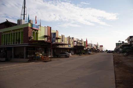 Blick auf die Straße in Batam Stadt in Indonesien Standard-Bild - 73237316