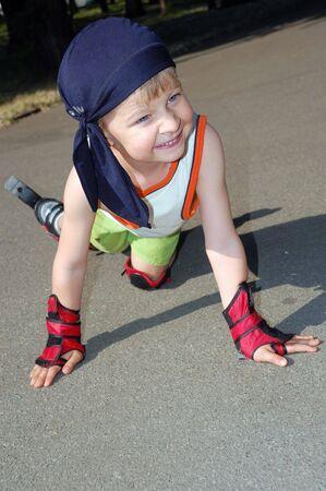 rollerblading: Patinar. Caído.