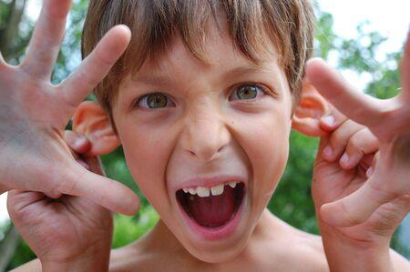 making face: shouting four-handed handsome monster