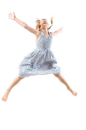 飛行翼のような彼女の手と 5 歳の女の子