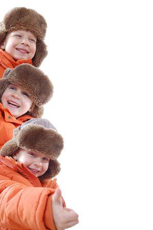 collage de invierno de ni�os de 5 a�os de edad felices vistiendo el mismo sombrero marr�n y naranja escudo Foto de archivo - 6134105