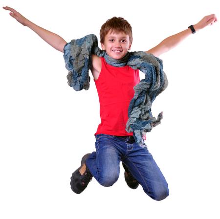 hurry up: Isolato su bianco ritratto a figura intera di correre saltare ragazzo. Sbrigati, don
