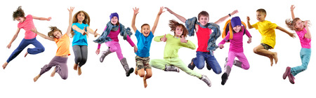 アクティブなスポーツのチーム友達とダンベルとボールの白い背景で隔離の子供します。 写真素材