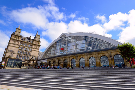 hubs: LIVERPOOL, UK - JULY 27, 2016: Liverpool Lime Street Railway Station is the main station in the city with direct links to London and other major cities. Editorial