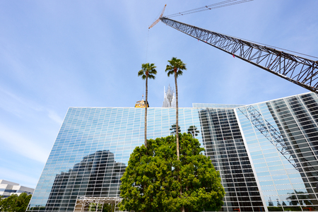 LOS ANGELES, CA- APRIL 07, 2017: The Crystal Cathedral is a church building of the Roman Catholic Diocese of Orange by Philip Johnson. Stok Fotoğraf - 76812260