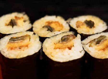 makki: sushi plate
