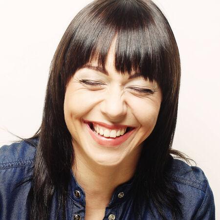 Jeune femme avec un grand sourire heureux Banque d'images - 35546592