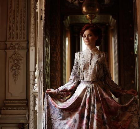 sexy young girl: Романтический портрет молодой красивой девушкой Фото со стока
