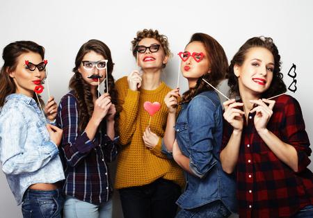 vijf sexy hipster meisjes beste vrienden klaar voor partij Stockfoto