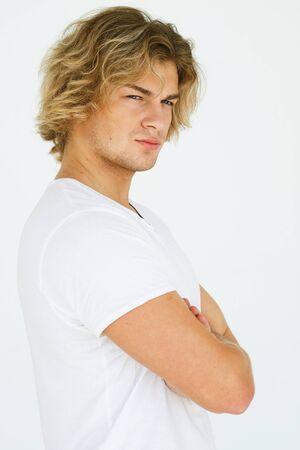 Portrait d'un beau jeune homme, mannequin