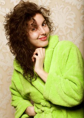 pies bonitos: young smiling woman in bathrobe