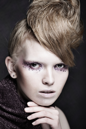 Beautiful Creative Fashion Makeup. Banque d'images - 124788115