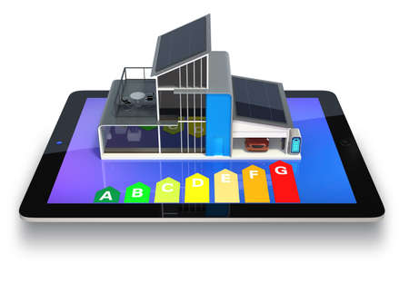 ahorro energia: Eco house mostrando en pantalla de la tablet, espectáculo con trazado de recorte gráfico efficiet energía disponible Foto de archivo