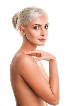 Nude blonde woman: primer plano Foto de moda de la hermosa mujer rubia desnuda, mirando hacia abajo Foto de archivo