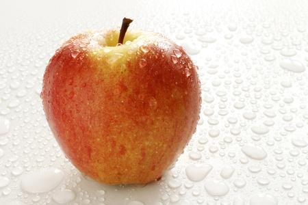 新鮮な赤いりんご