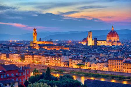 Florence, Tuscany - Night scenery with Duomo Santa Maria del Fiori, Renaissance architecture in Italy 版權商用圖片
